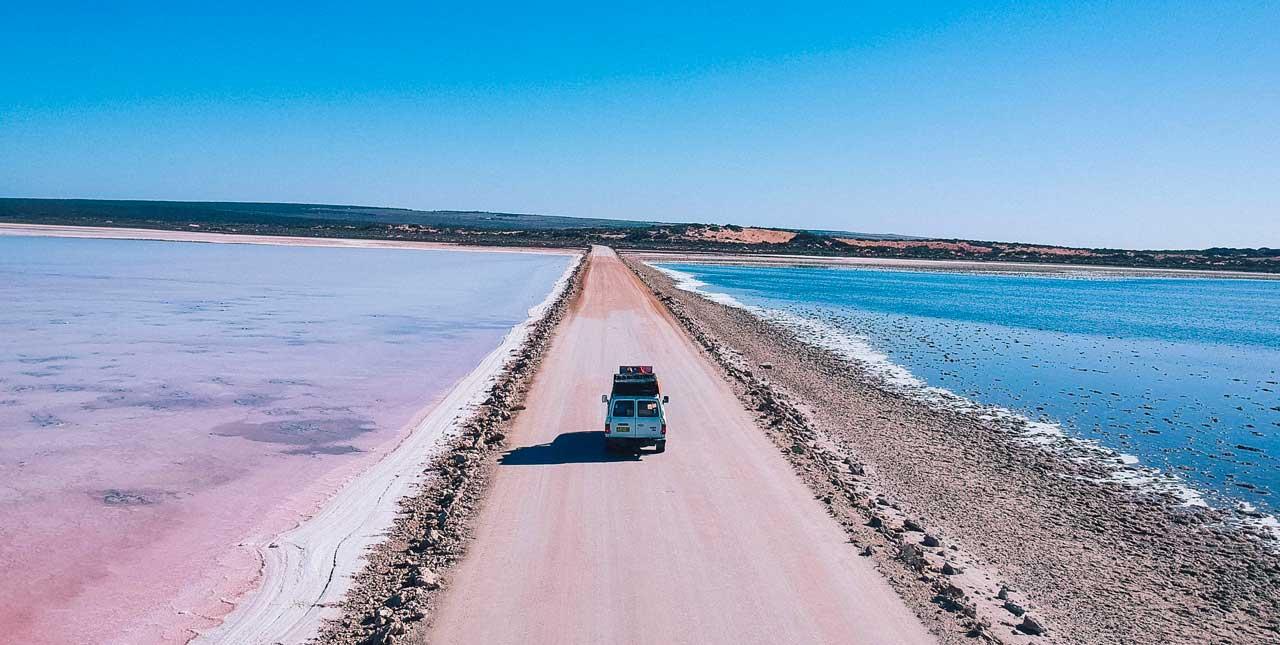 lac rose Australie
