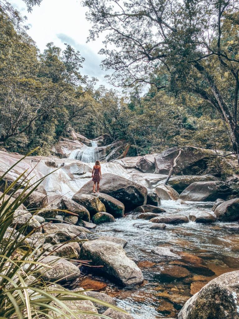 eau qui coule australie cascade Queensland