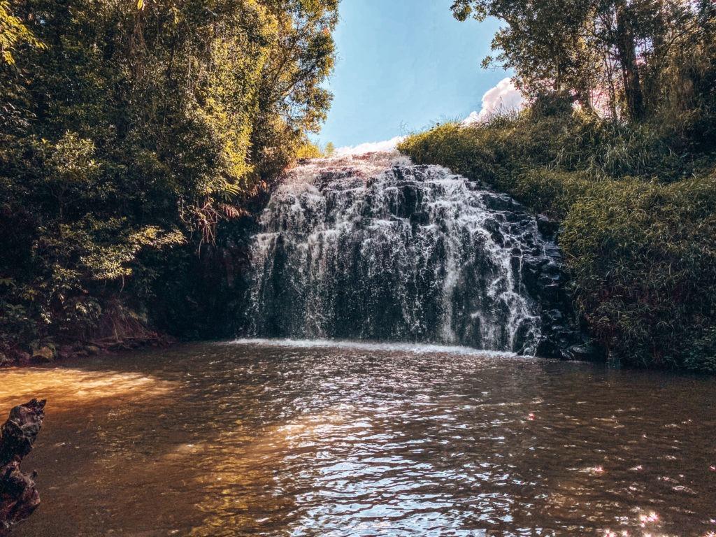 cascades cairns